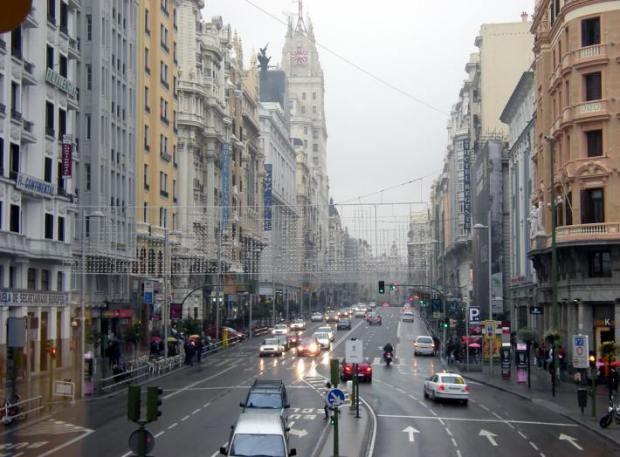 La Gran Vía madrilene, l'un des axes principaux du commerce a Madrid