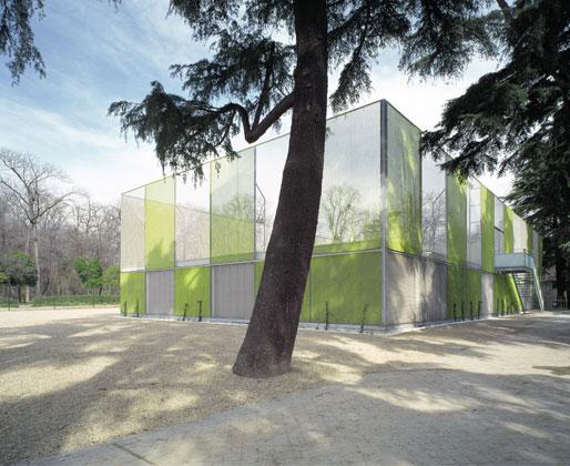 Le Pavillon de Gimnastique. Plus d'information sur http://www.herrerosarquitectos.com/PROYECTOS_ES/Ind_Proyectos06.html
