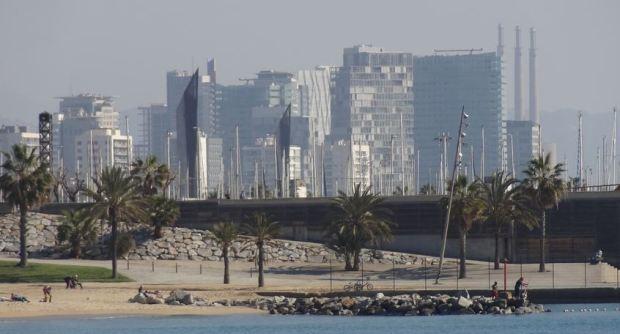 Quand la Diagonal arrive a la mer; Forum 2004 a Barcelone