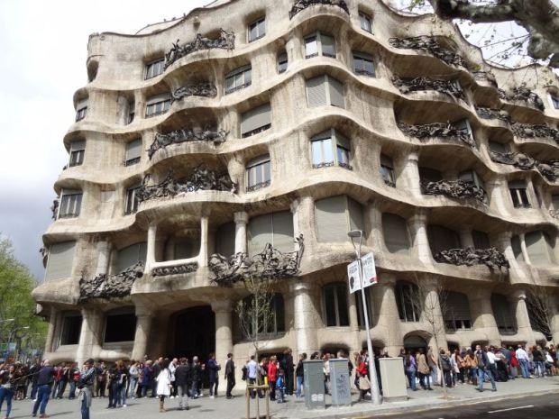 Gaudí au Paseig de Gracia, sur un ilot avec 5,5 de COS moyen