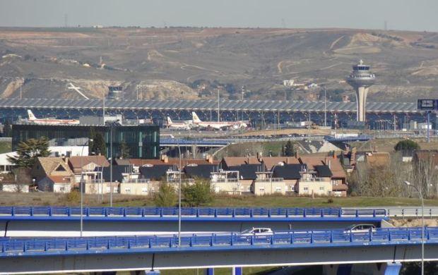 L'aéroport de Barajas, vu du parc Juan Carlos I