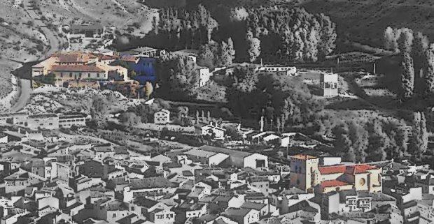 Le monastere a gauche, l'eglise a droite