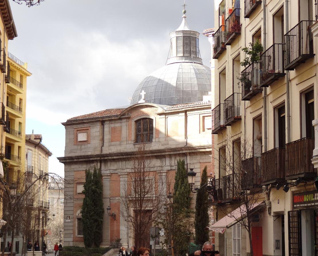 Juillet 2013 metrhispanique - Calle santiago madrid ...