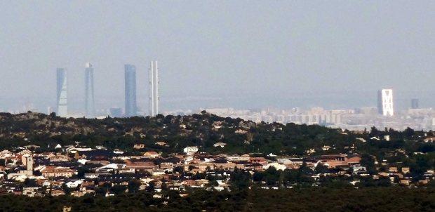 Le nord de la ville de Madrid vu depuis El Escorial