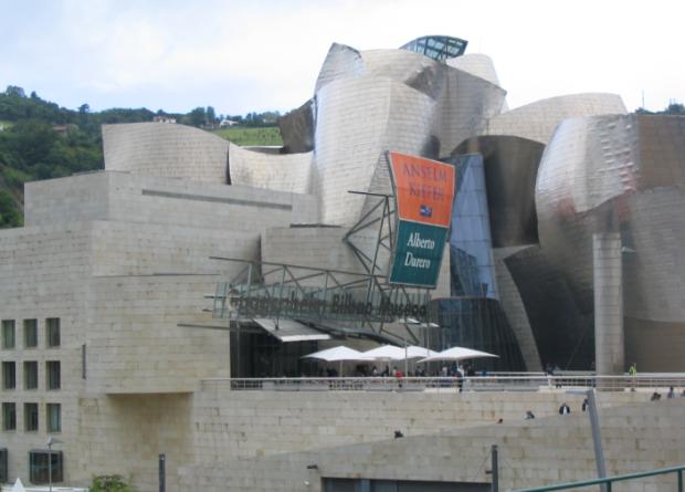 La façade en titane du Guggenheim Bilbao