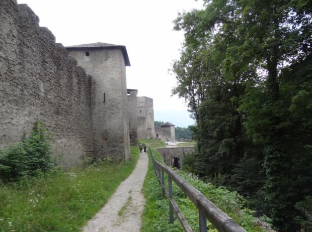 Fortifications du moyen age a Mönschberg