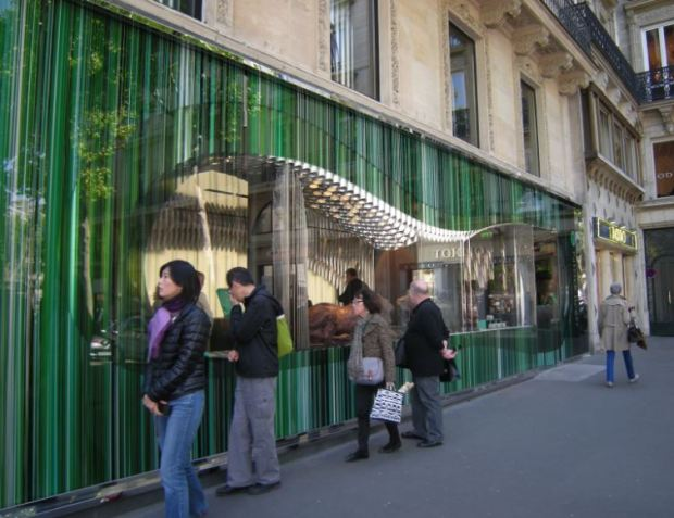 Chocolaterie face a la Madeleine, a Paris